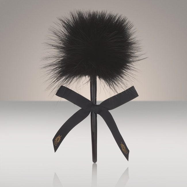 yes-for-lov-caressing-feather-lacoquette.com