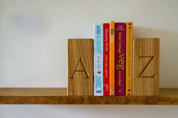 personalised-wooden-book-ends-makemesomethingspecial.co.uk