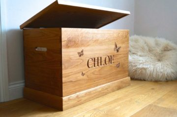 personalised-wooden-toy-box-with-butterfly-makemesomethingspecial.co.uk