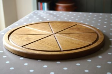 wooden-Pizza-Board-makemesomethingspecial.com