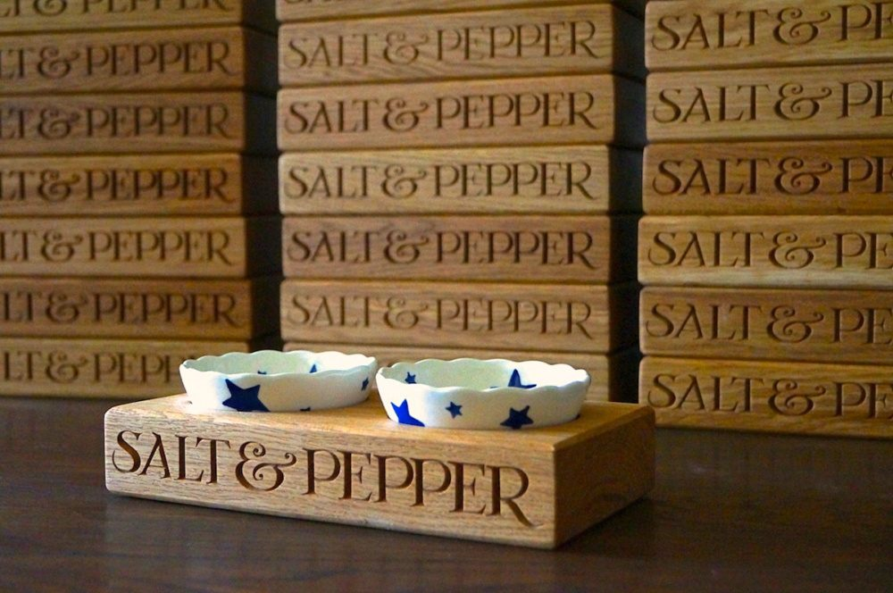 emma-bridgewater-personalised-wooden-salt-and-pepper-makemesomethingspecial.co.uk