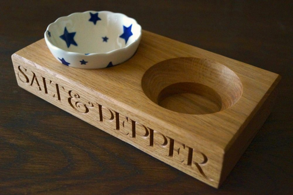 emma-bridgewater-wooden-salt-and-pepper-pinch-bowls-makemesomethingspecial.co.uk