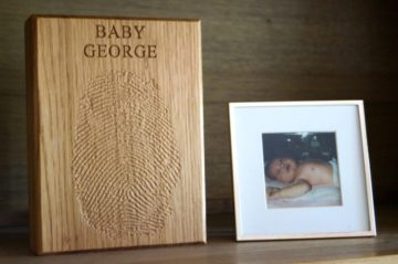fingerprint-gifts-in-wood-makemesomethingspecial.co.uk