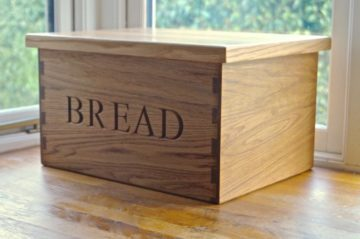 solid-oak-bread-bin-makemesomethingspecial.co.uk