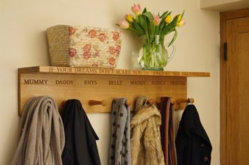 oak-shelf-and-coat-hooks-makemesomethingspecial.co.uk