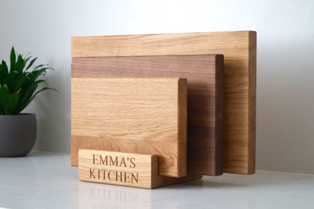 unique-christmas-gifts-for-christmas-2018-engraved-oak-chopping-board-set-makemesomethingspecial.com_