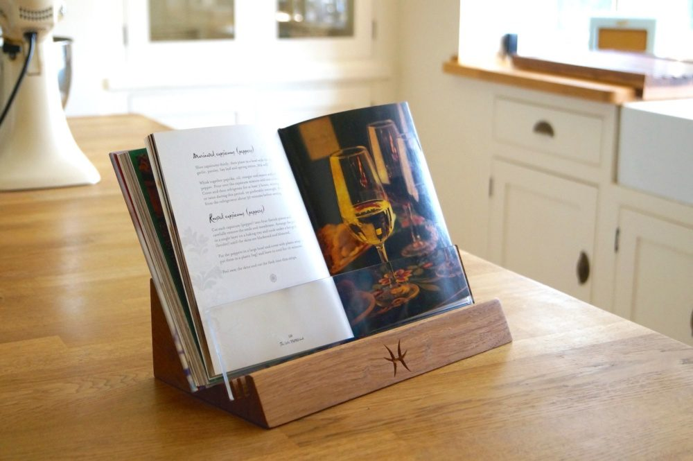 unique-christmas-gifts-for-christmas-2018-personalised-wooden-cookery-bookstand-makemesomethingspecial.co_.uk-1