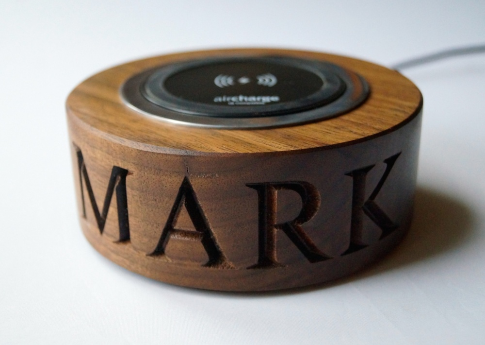 unique-christmas-gifts-for-christmas-2018-walnut-wireless-phone-charger-makemesomethingspecial.co_.uk_