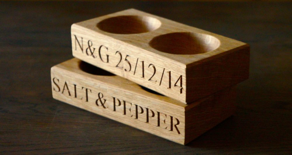 unique-christmas-gifts-for-christmas-2018-wood-salt-and-pepper-pinch-pots-makemesomethingspecial.co_.uk_