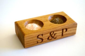 engraved-mini-salt-and-pepper-bowls-makemesomethingspecial.co.uk