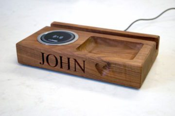 wooden-desk-organiser-with-wireless-charger-makemesomethingspecial.com