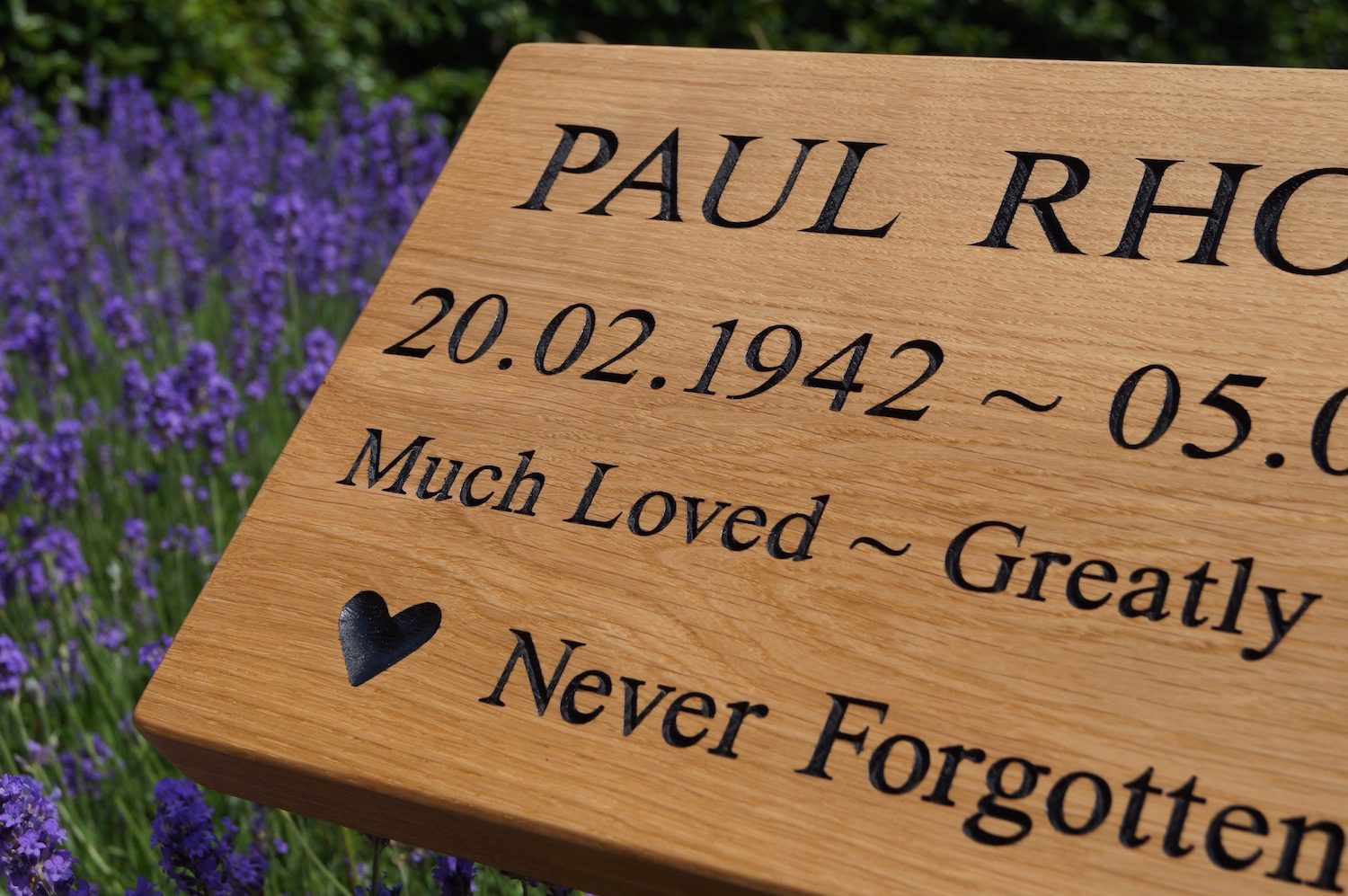 engraved-wooden-head-stone-makemesomethingspecial.com