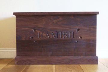 personalised-walnut-toy-boxes-makemesomethingspecial-co-uk