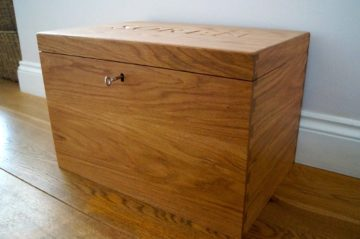 lockable-oak-memory-box-makemesomethingspecial.co.uk