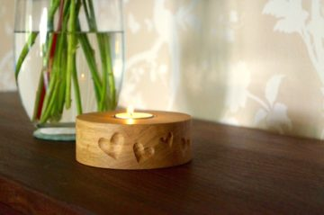 carved-heart-wooden-tea-light-holders-makemesomethingspecial.com