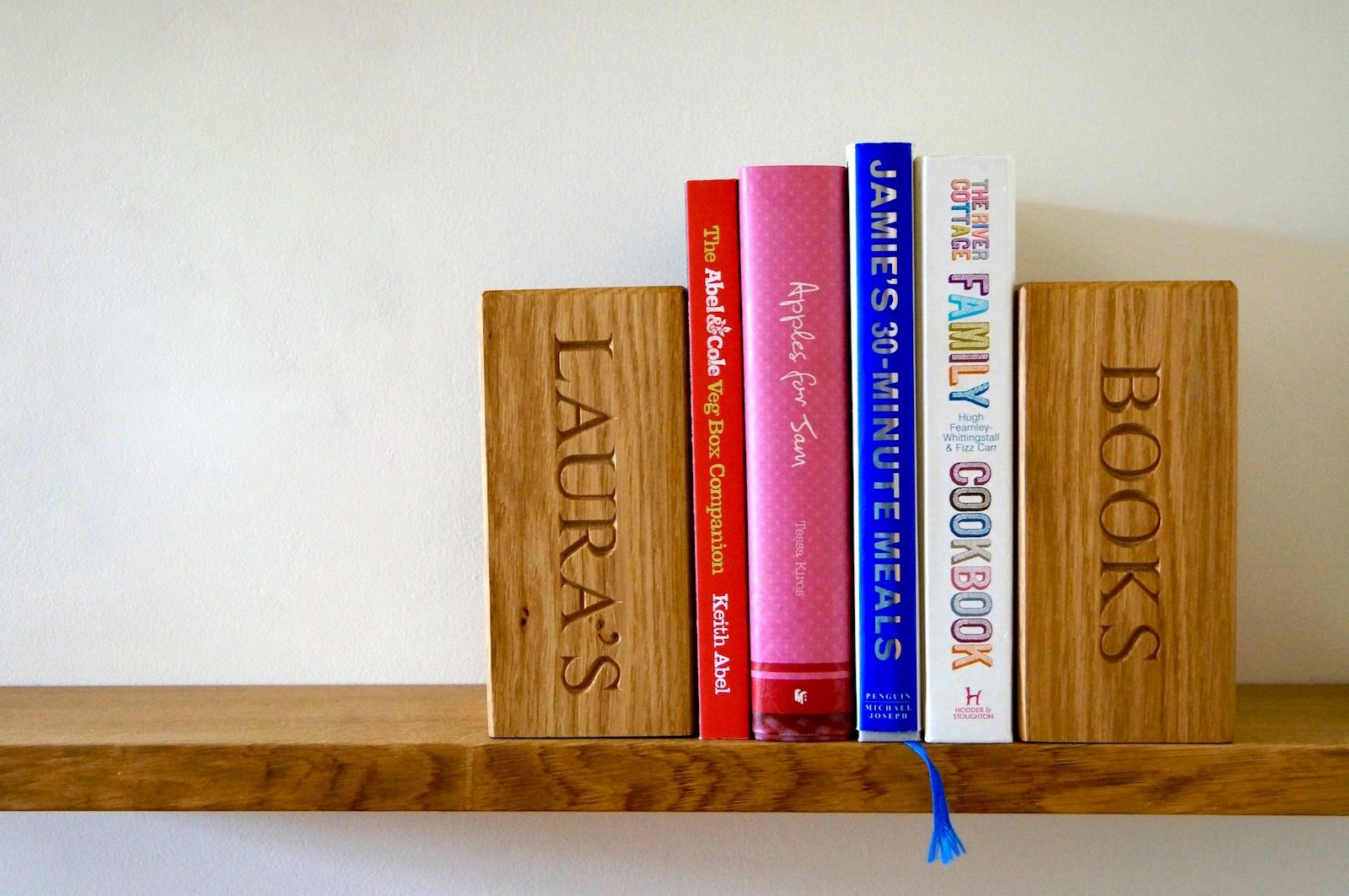personalised-wooden-bookends-makemesomethingspecial-com