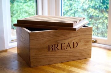 wooden-bread-bin-with-bread-board-makemesomethingspecial-com
