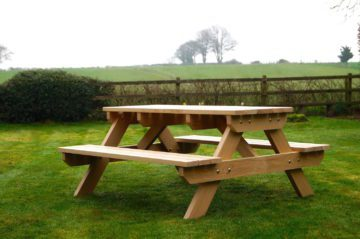 handmade-oak-picnic-table-makemesomethingspecial.com
