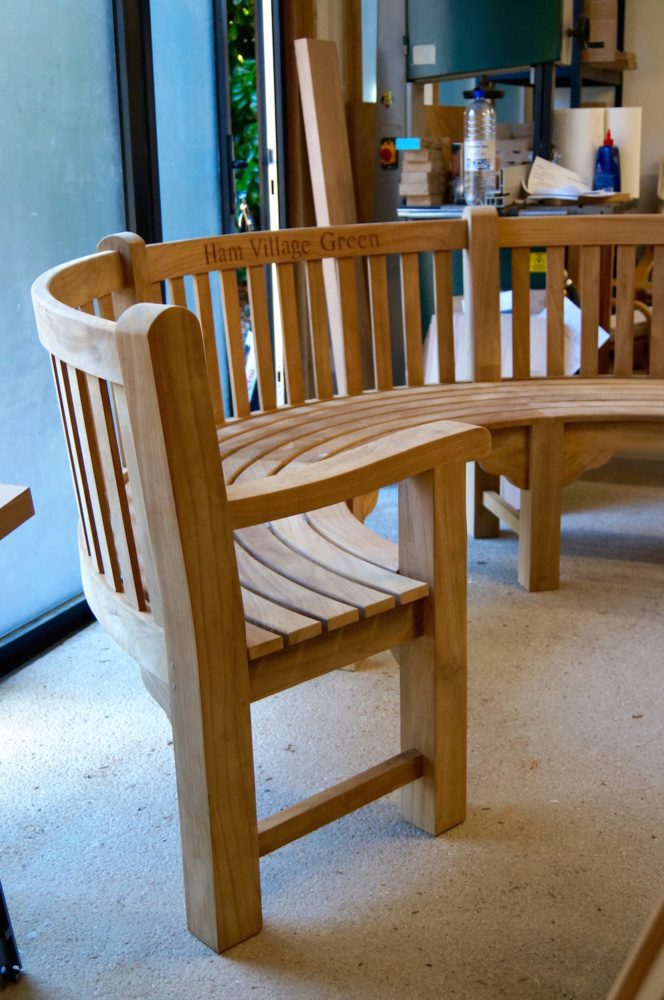 bespoke-curved-benches-makemesomethingspecial.com