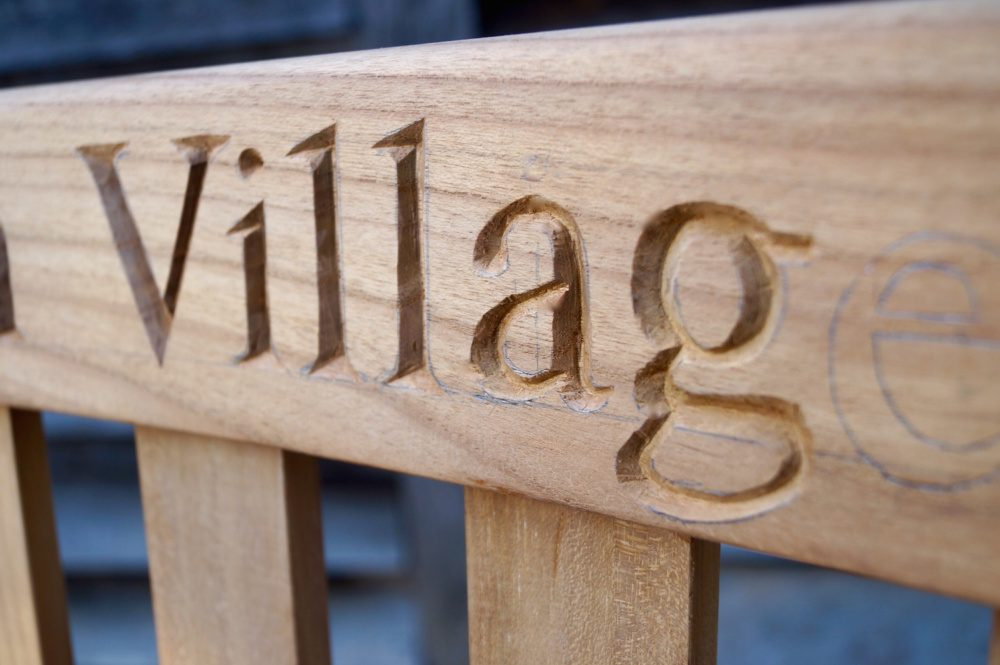 engraved-benches-uk-hand-engraving-makemesomethingspecial.com