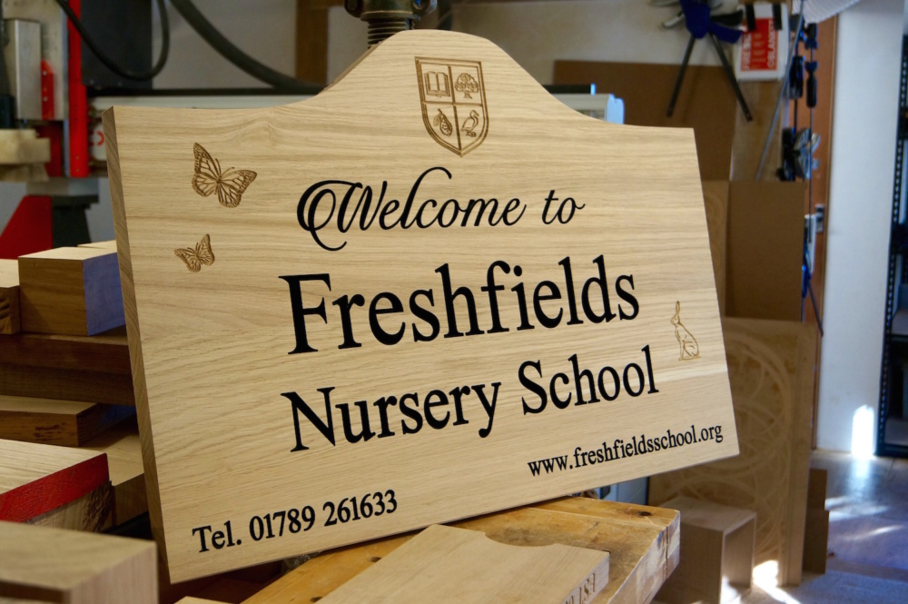 engraved-oak-outdoor-signs-makemesomethingspecial.com