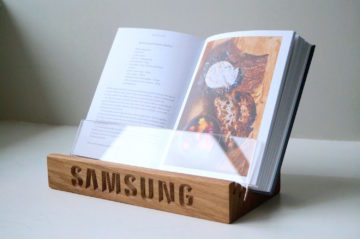 personalised-wooden-bookstand-samsung-makemesomethingspecial.com