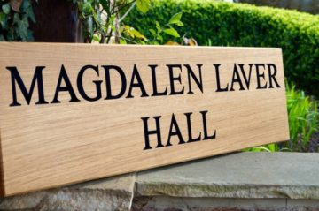 made-to-measure-oak-signs-makemesomethingspecial.com