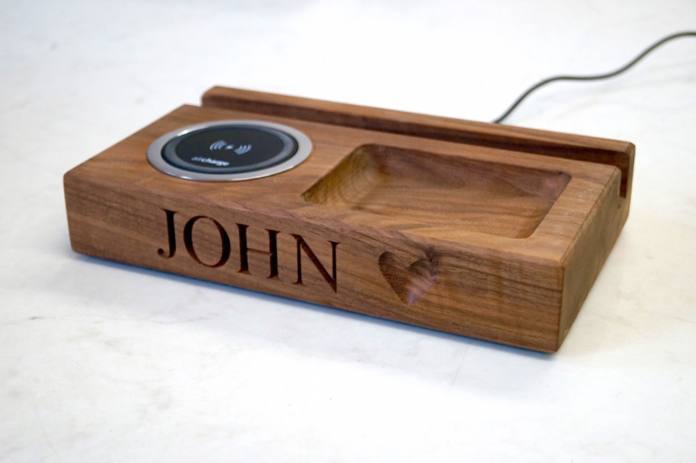 personalised valentines day gifts 2019-wooden-desk-organiser-with-wireless-charger-makemesomethingspecial.com_