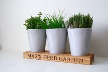 personalised-herb-pot-tray-makemesomethingspecial.com