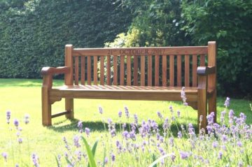 engraved-memorial-benches-makemesomethingspecial.com